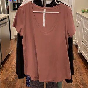 Size 10 V Neck Lululemon T Shirt - Excellent